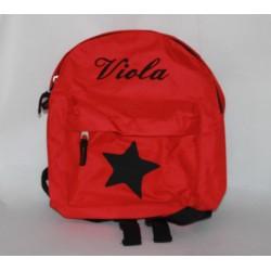 Rød børnehave rygsæk med stjerne og navn på