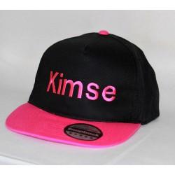 Sort/pink snapback cap med navn på