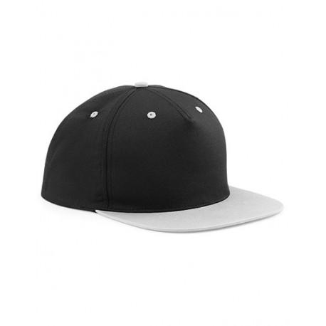 Flatpeak cap i sort og grå med navn på