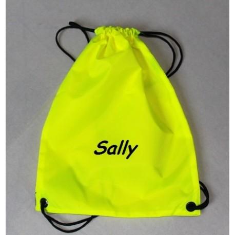 Neongul gymnastikpose med navn på